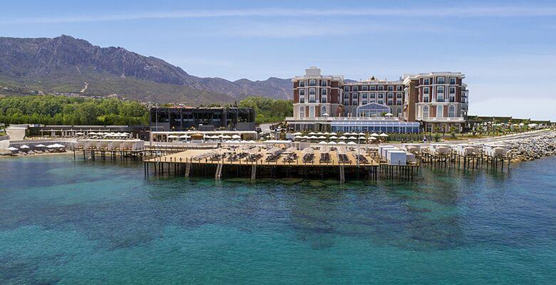 Kaya Palazzo Hotel