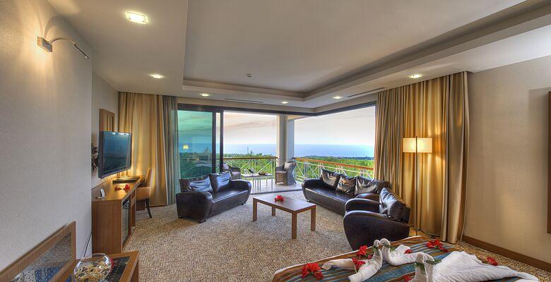 Korineum Golf Resort Hotel